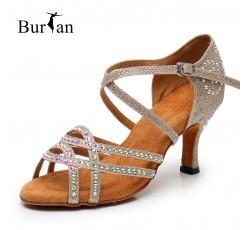 обувь для бальных танцев...